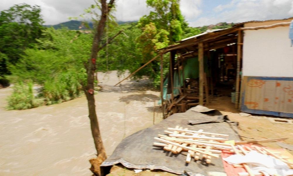 El caudal del río Suratá tiene amenazadas varias familias en Bucaramanga