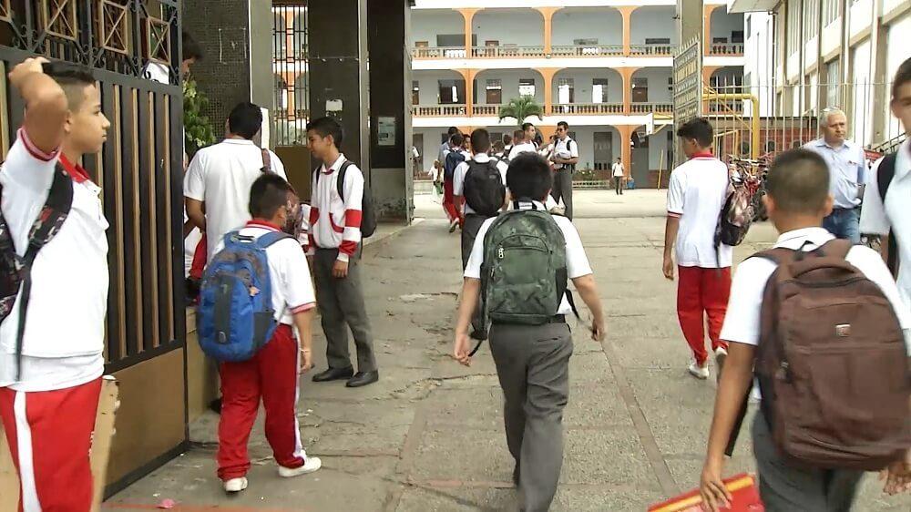 Bucaramanga garantizará sus servicios educativos en 2018