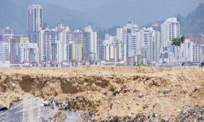 Los lugares deberán reunir una serie de condiciones para ser considerados como aptos para la disposición final de residuos sólidos