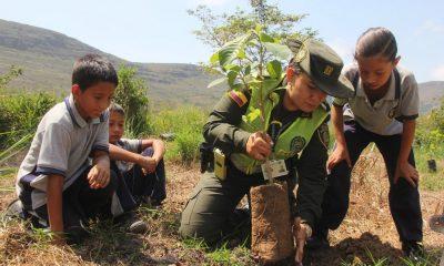 Las autoridades buscan sensibilizar a la ciudadanía sobre la protección, conservación y recuperación del ambiente y los recursos naturales en todo el territorio Nacional.