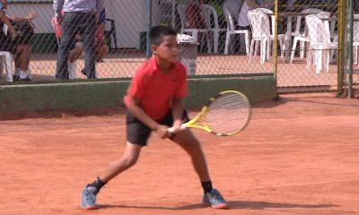 170 raquetas provenientes de diferentes regiones del país, se congregan en Bucaramanga, para tomar parte del Torneo Nacional de Tenis Grado 2
